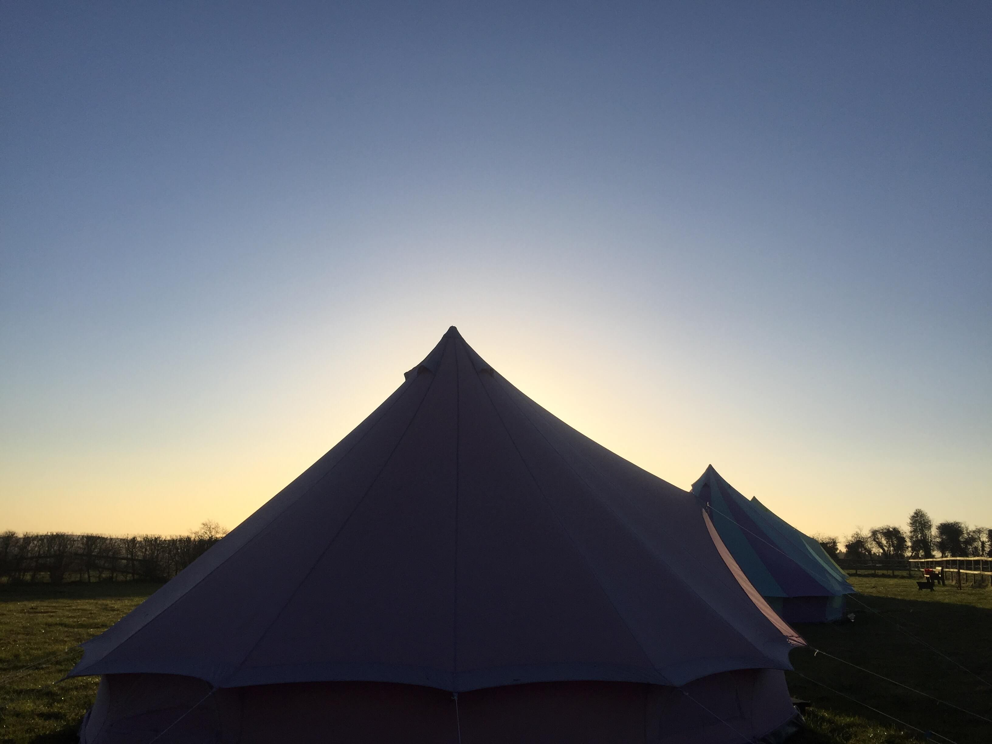 Beautiful morning at botany camping and Glamping Wiltshire